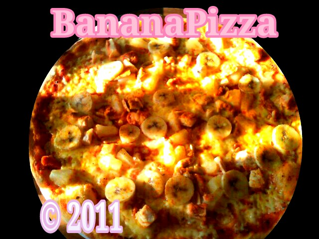 sweden :: pizza ( chicken, peanut, banana)