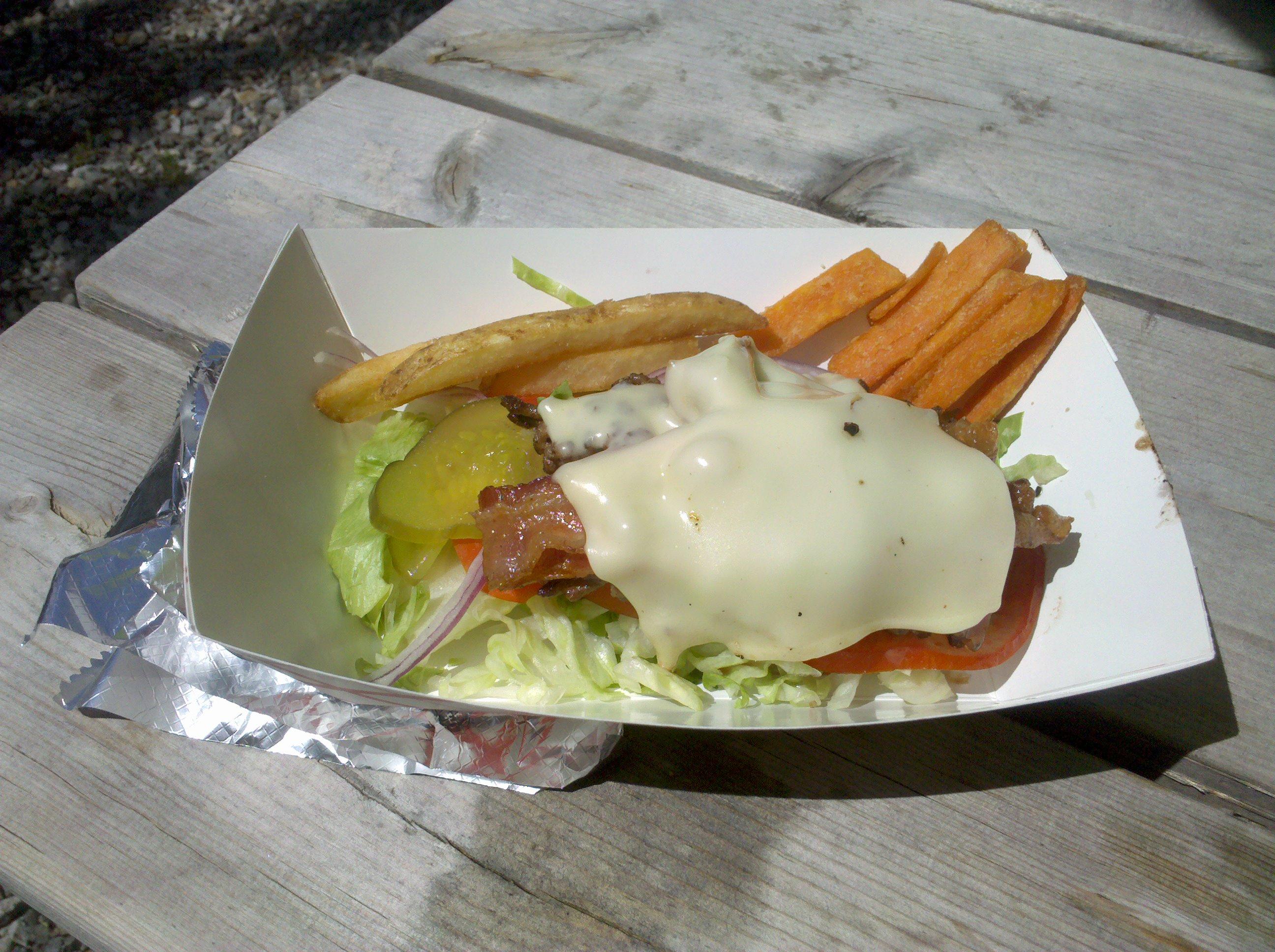 PAPA JOE'S HUMBLE KITCHEN :: GF Bacon Cheese Burger with Fries