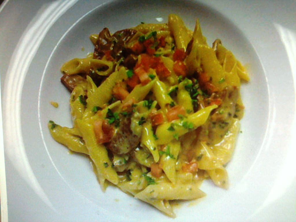 eastern ct :: dry aged italian sausage in a roasted garlic basil tomato cream with garganneli pasta