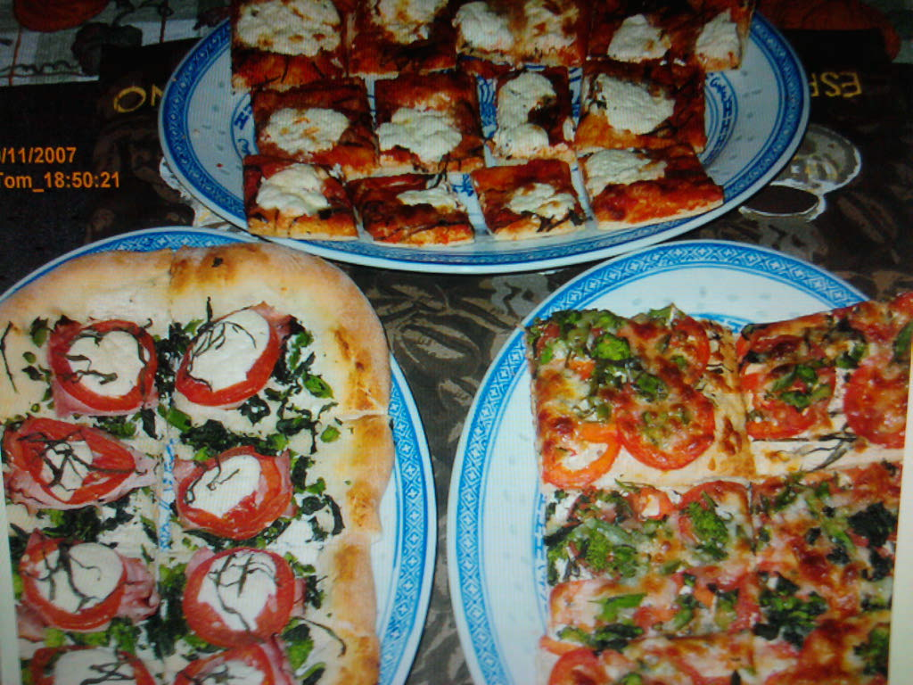 eastern ct :: this is 3 peace offering pizza's for carolita,misoshibby and kalboogirl. let's all just get along. I hope it helps.