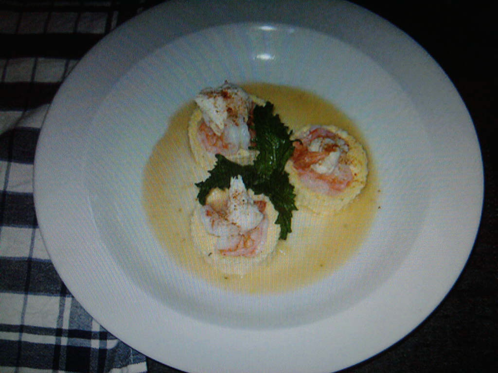 eastern ct :: shrimp on a boursin polenta cake with a lemon burre blanc