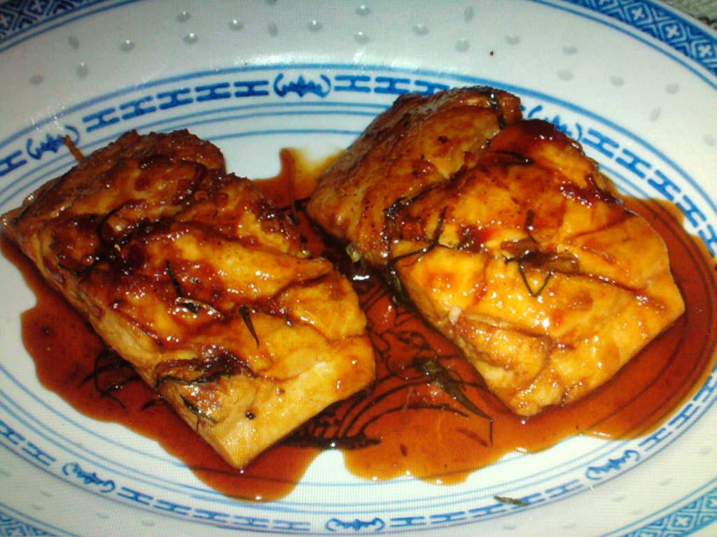 eastern ct.  :: pan seared mahi~mahi with a vietnamese carmel sauce