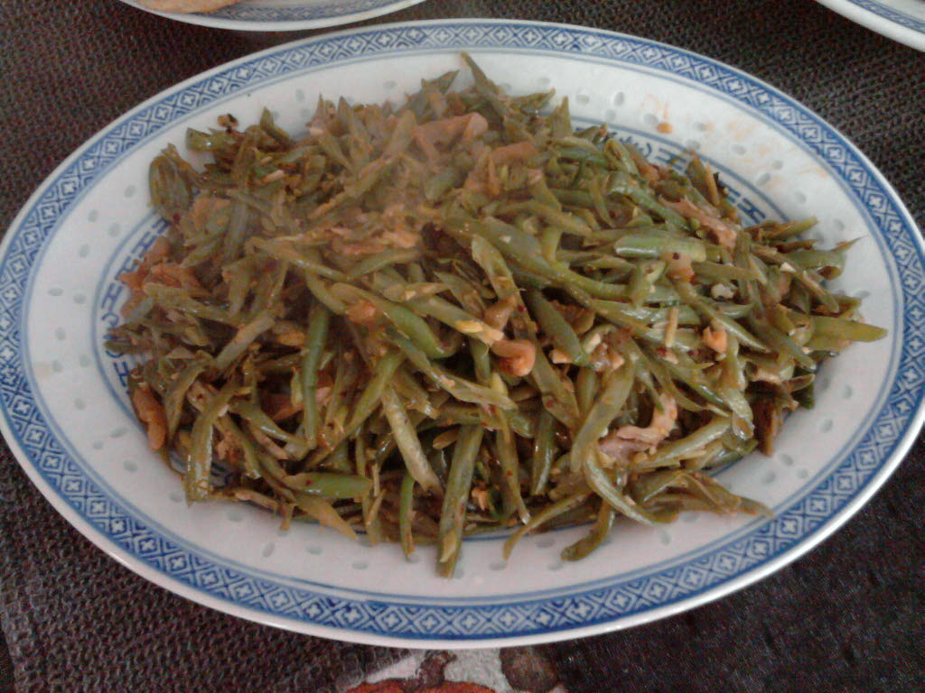 eastern ct :: sichuan dry fried green beans with pickled mustard greens and sichuan pepper bean paste.