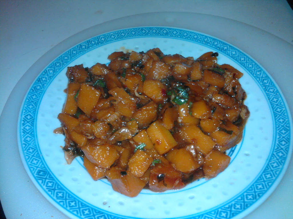 eastern ct :: kabocha squash with ginger and garlic sauce