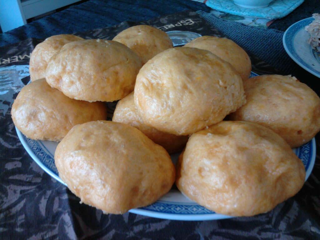 eastern ct :: steamed pumpkin rolls.