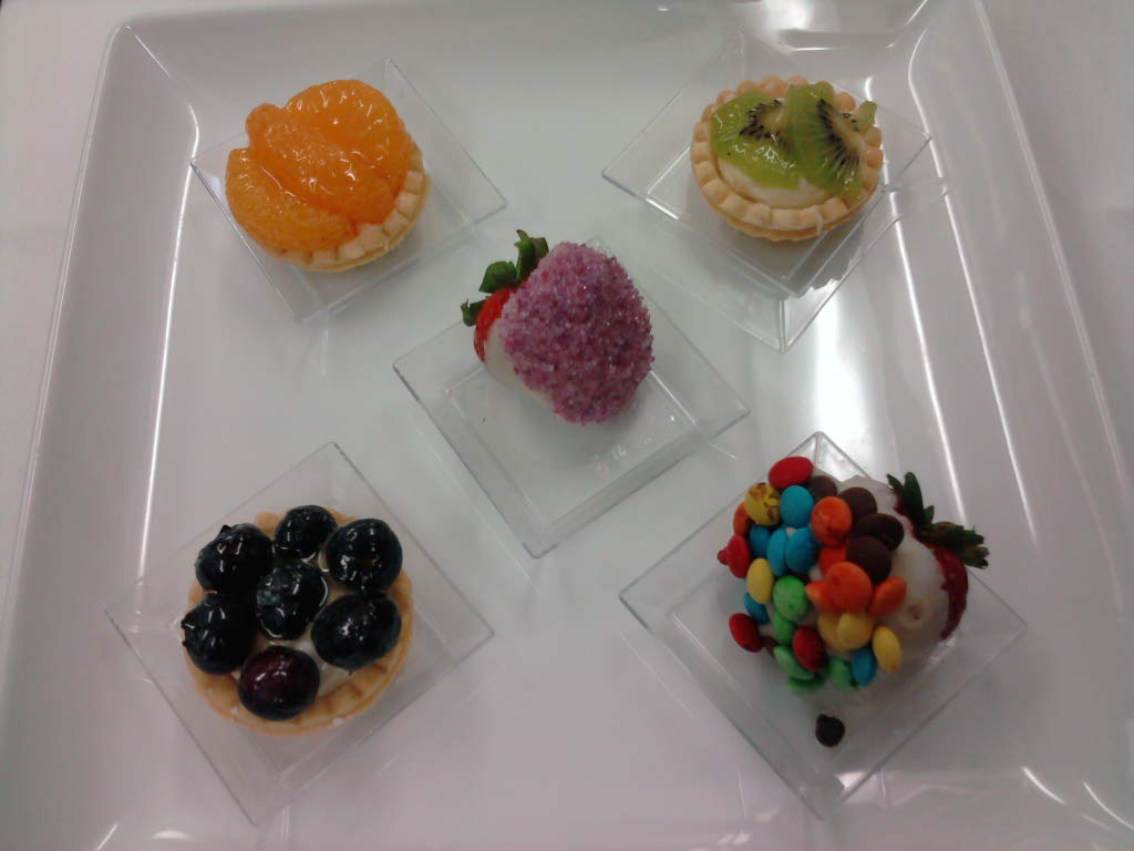 eastern ct  :: mini fruit tarts and covered strawberries