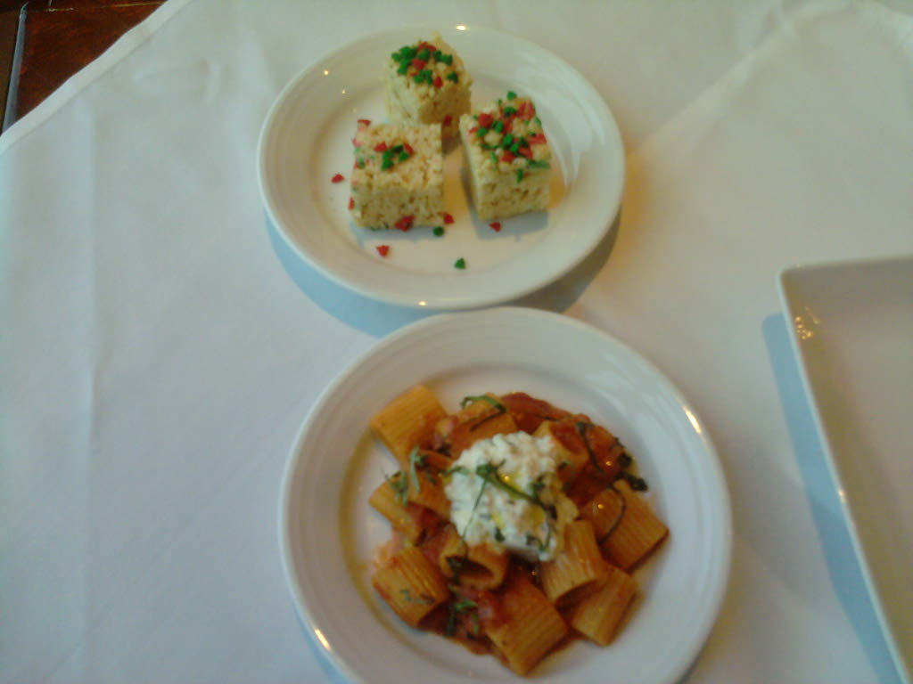 """eastern ct :: christmas mini rigatoni with pomadoro and herb ricotta cheese with rice krispy treats. merry christmas everyone. or more politically correct """"happy non-denominational winter wonder day"""". ha ha."""