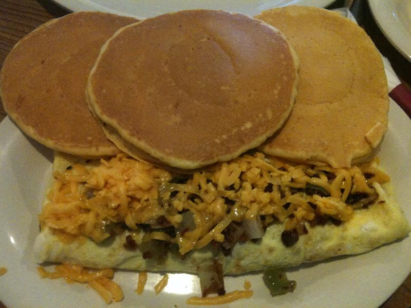 Ol' South Pancake House :: Egg omelet with 3 pancakes!!