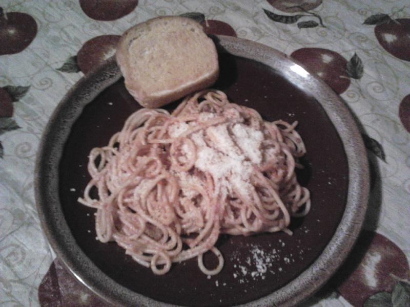home in Indiana :: spaghetti w/parmesan cheese & garlic toast