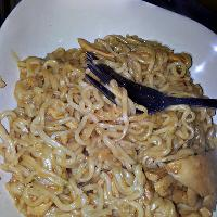 Barbecue noodles with chicken