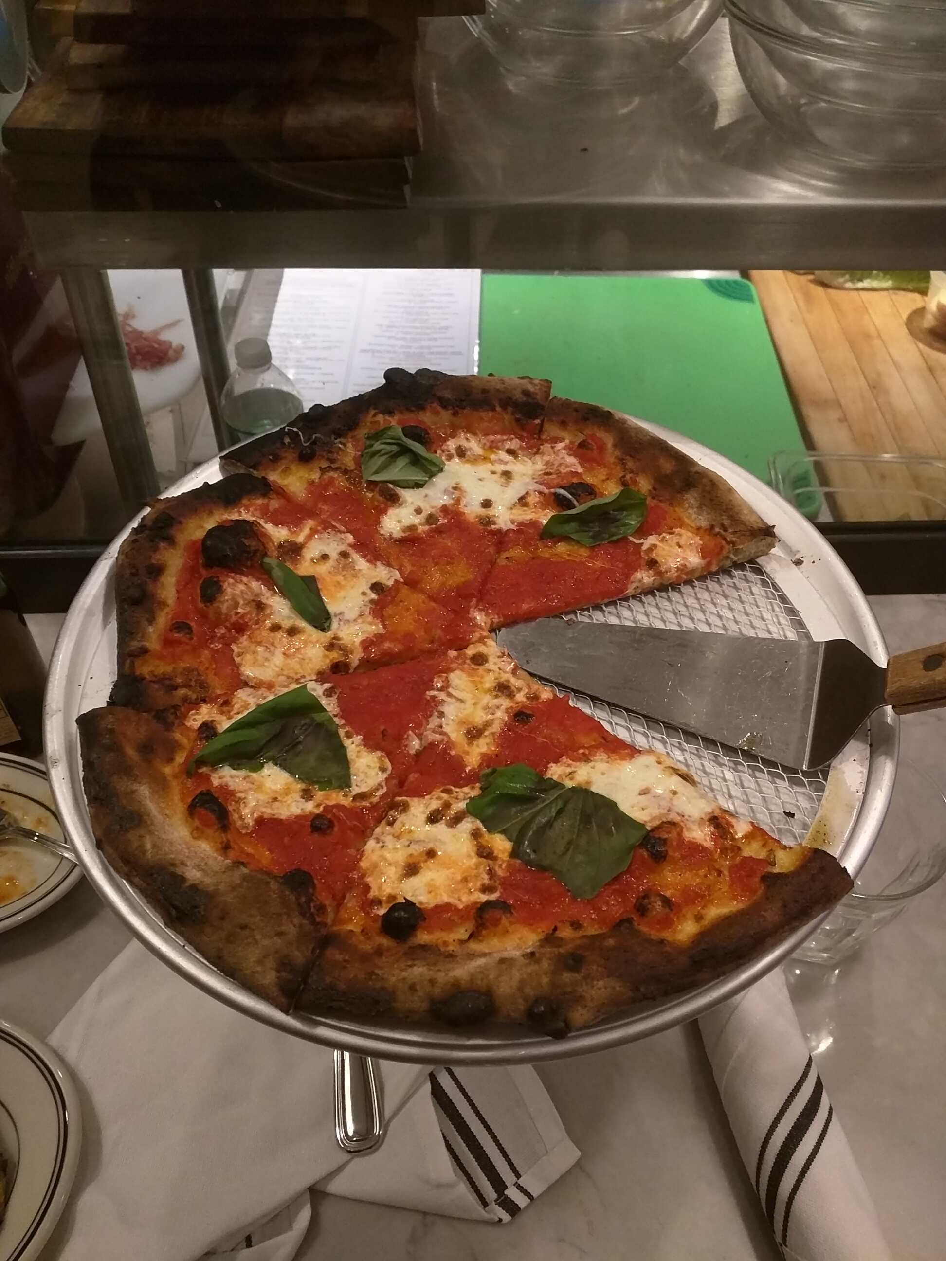 Savoy West Hartford CT :: Margherita pizza