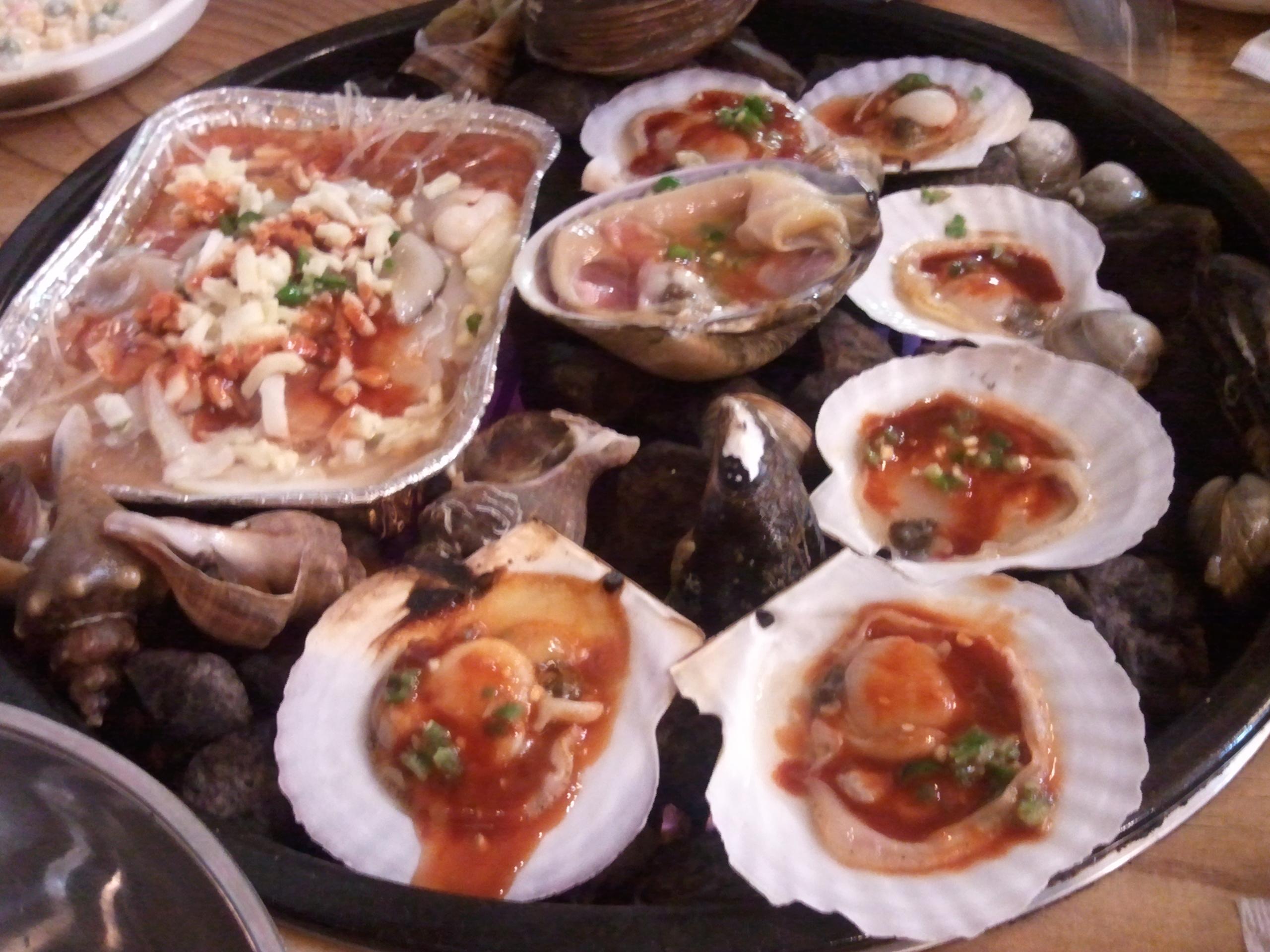 Seoul, KOREA :: grilled shellfishes