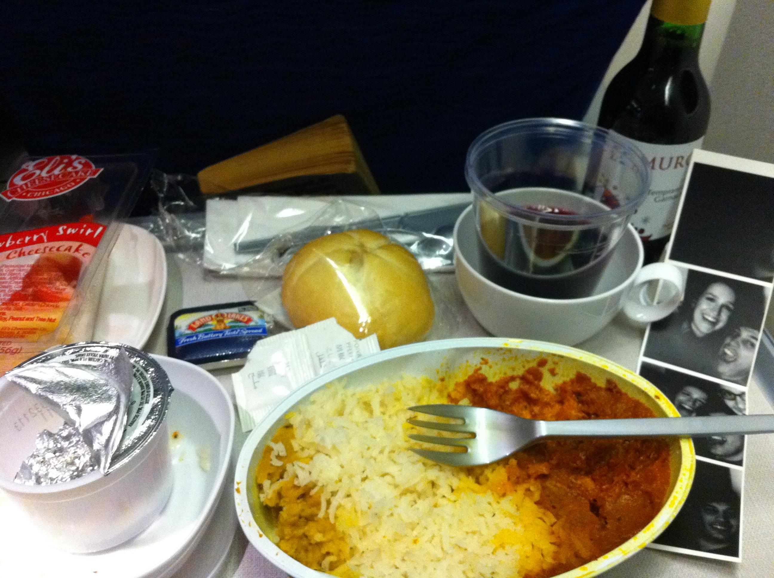 BritishAirways :: Chicken vindalou with rice and a Tempranillo