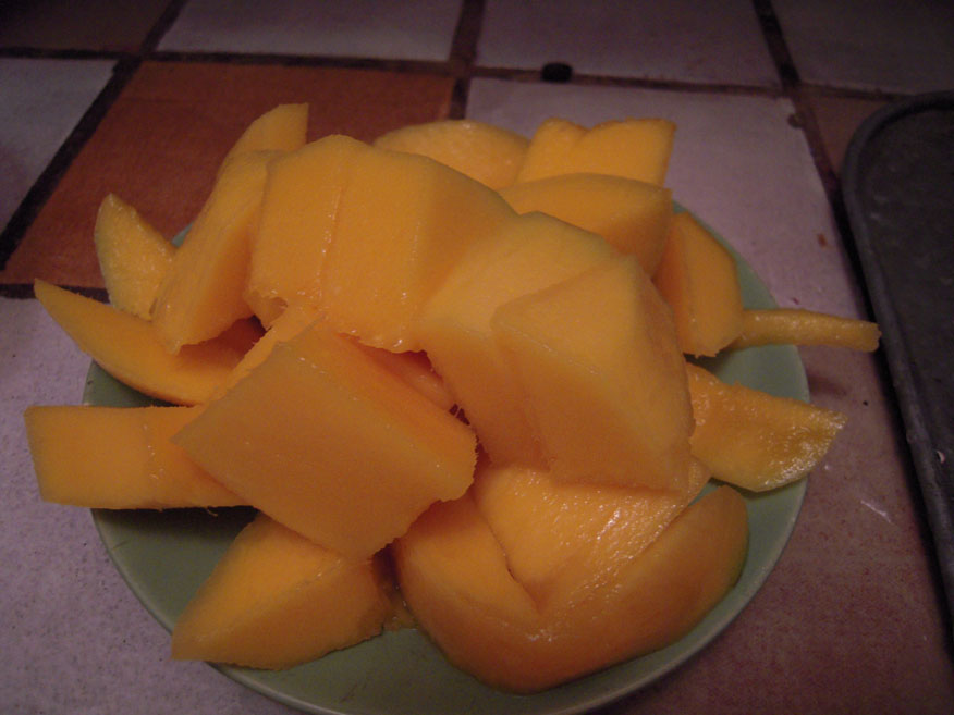 My House In Cambridge, MA :: chopped up mangos!!!! I am going to eat them for breakfast inthe morning!!!!