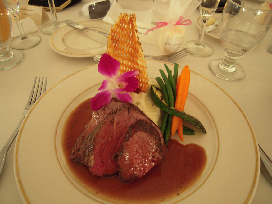 Ledgemont Country Club Seekonk, MA :: cooked to perfection beef tenderloin!  very good and super soft!! no knife needed!!  cutt like budda!!  I ate the flower and everyone at the table I was at said it was going to kill me.... but why would a nice Country Club serve poison?  I am still alive days later!!!