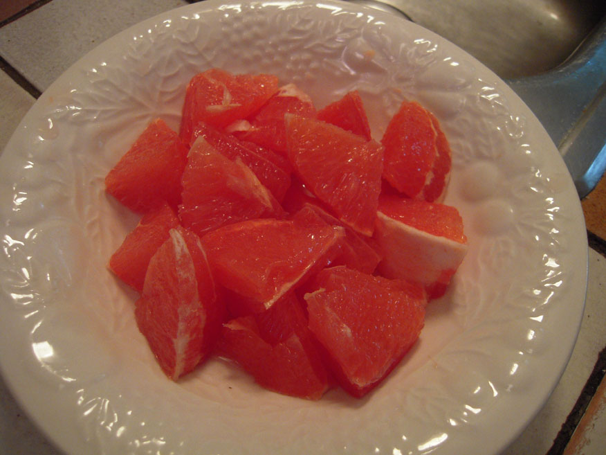 My House Cambridge, MA :: Ruby-Red Grapefruit cutt just the way I like... in LARGE CHUNKS!!!