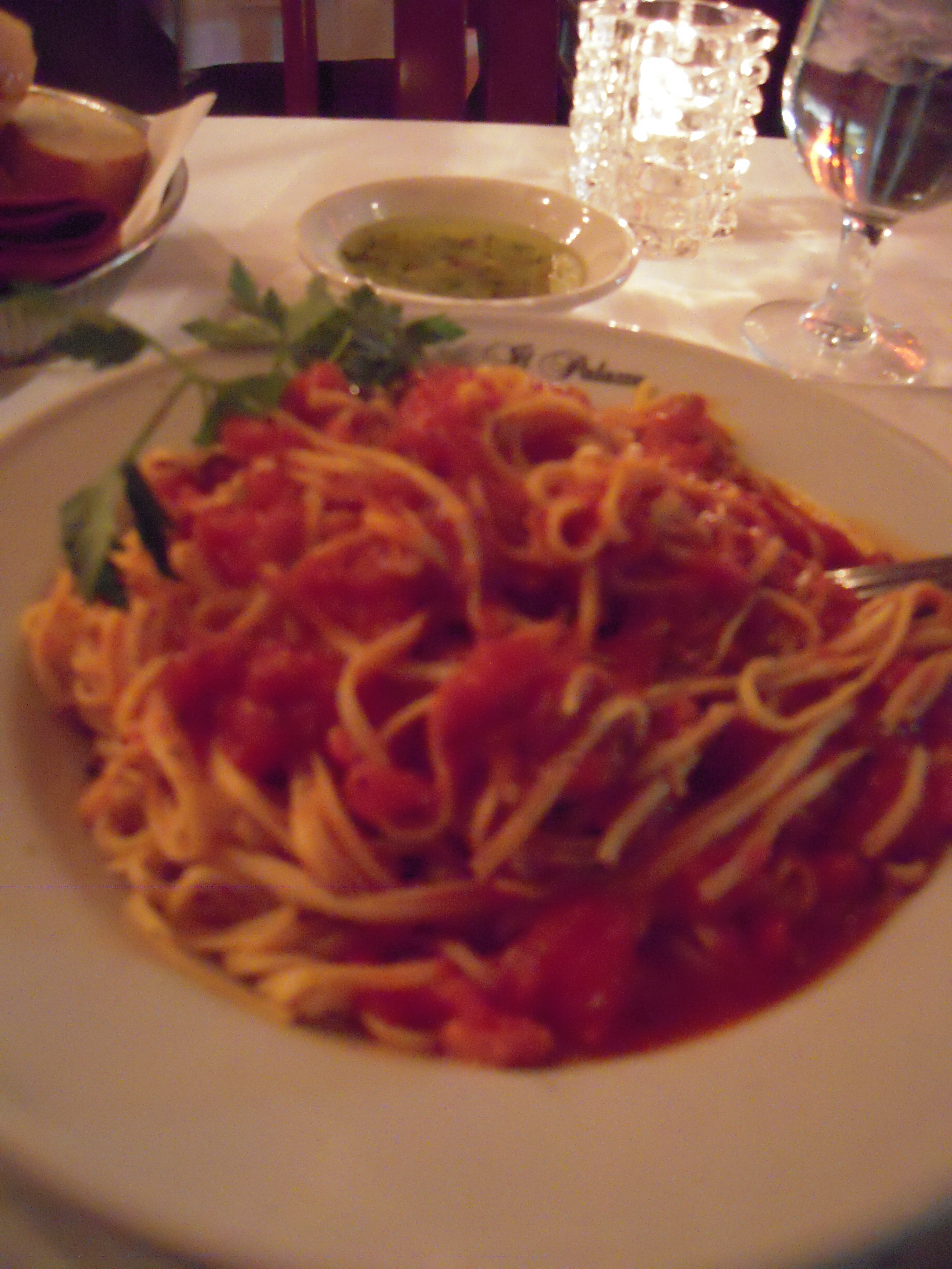 Il Palazzo, Mulberry St. (ny,ny) :: Spaghetti with crushed tomatoes and basil. Sticking with my theory that the more simple the recipe, the harder it is to make. When you don't have a million different competing flavors to hide behind, you really have to do a good job!