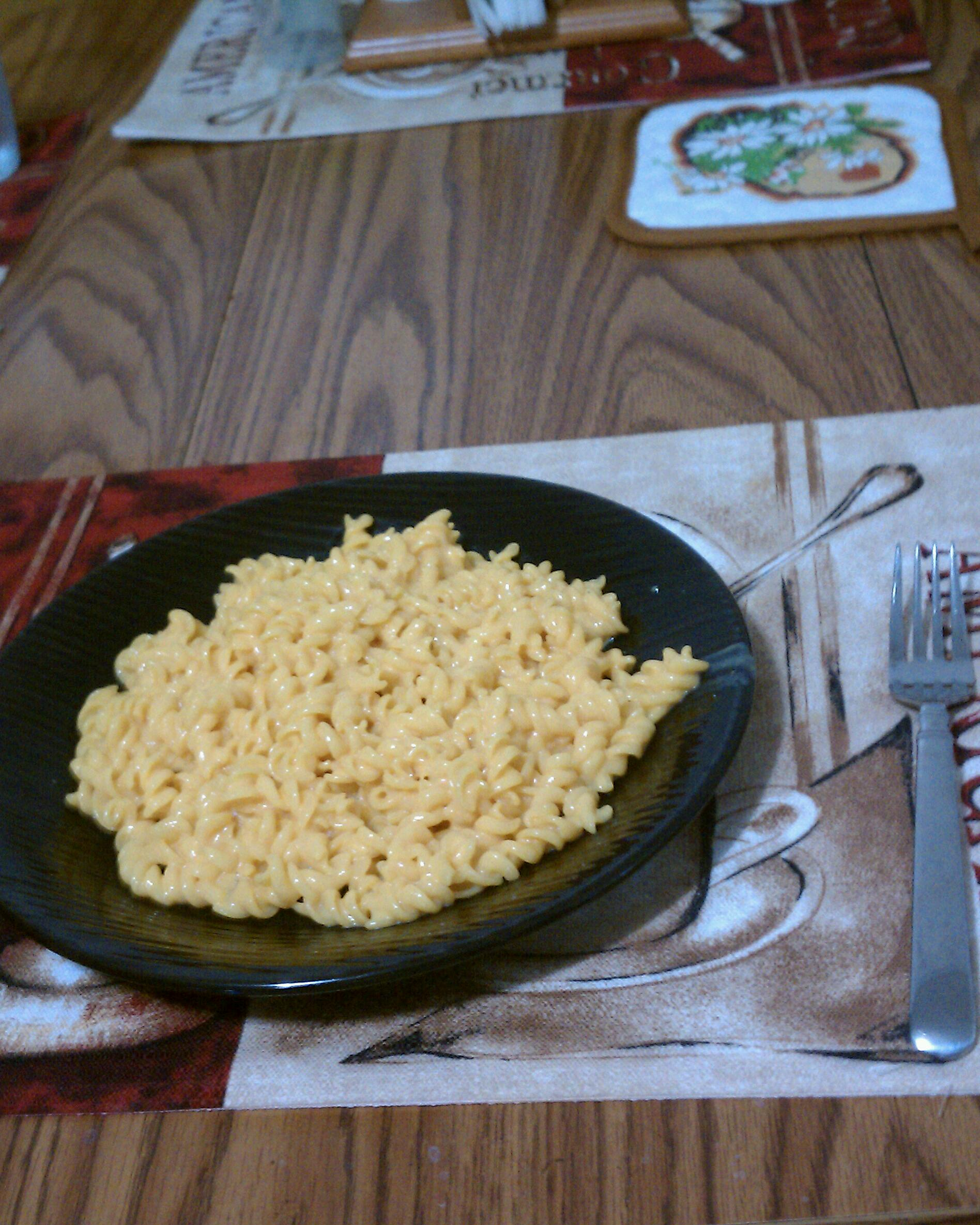 new britain CT :: cheddar EXPLOSION mac and cheese