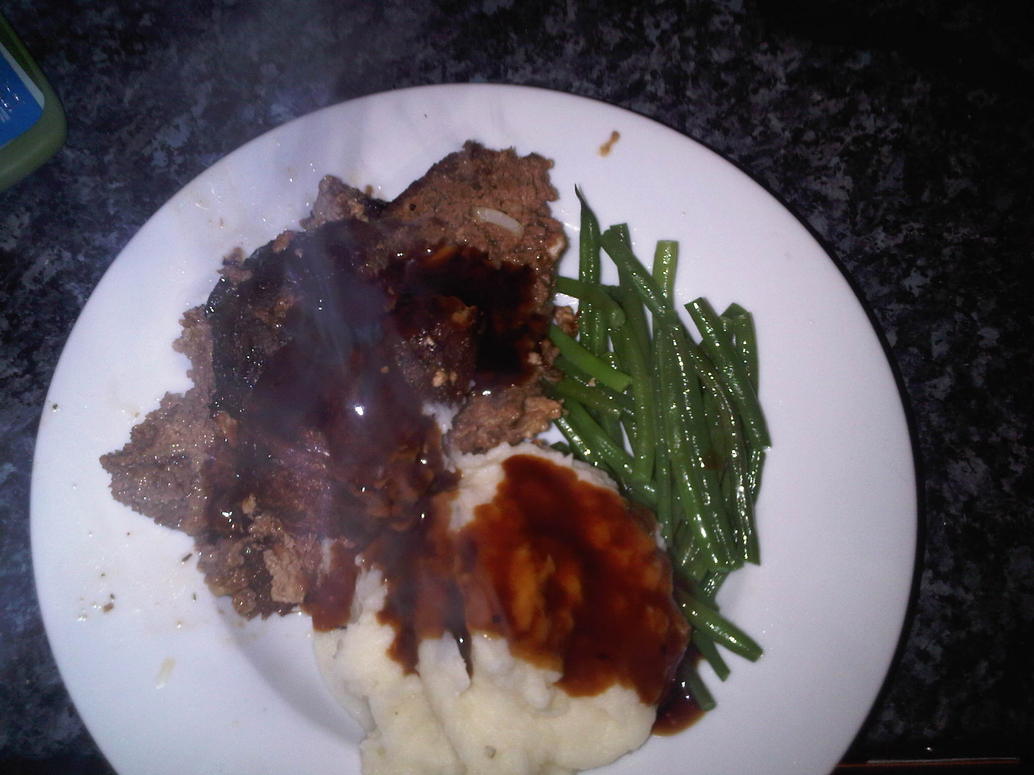 home in london :: Was really missing the states and made my self a standard meatloaf, mash potatoes with gravy and green beans dinner...it was amazing, I've definitely mastered the loaf!