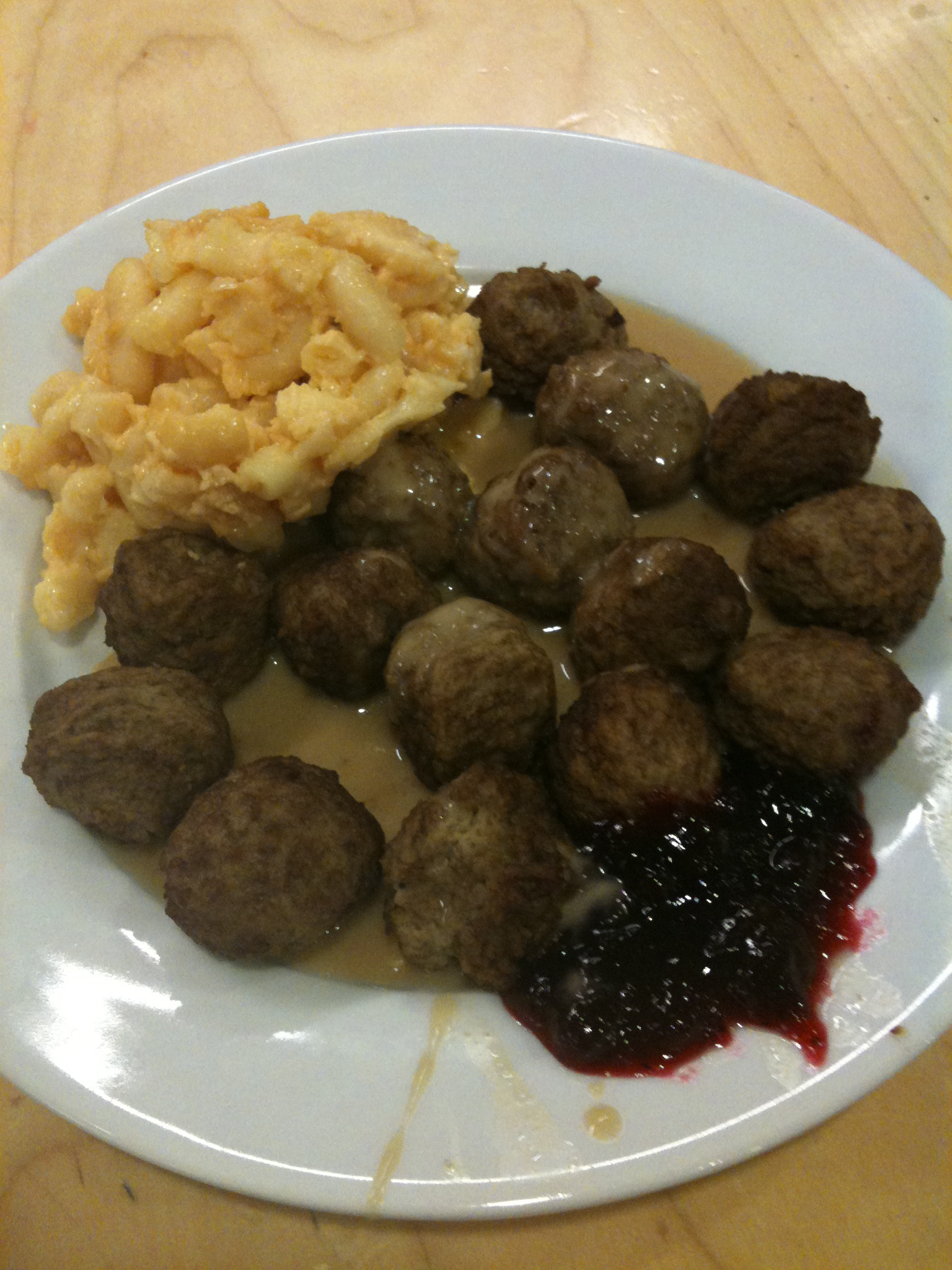 Ikea - Stoughton, MA :: some Ikea meat-balls w/ gravy and I paid .50 extra for the mac and cheese! I went on a tuesday and I should have gone tuesday after 4pm... the meat-balls are $2.49 after 4pm on tuesdays...that store kind of sucks if you ever want to leave... I had to bust through an employ's only door to exit the building!