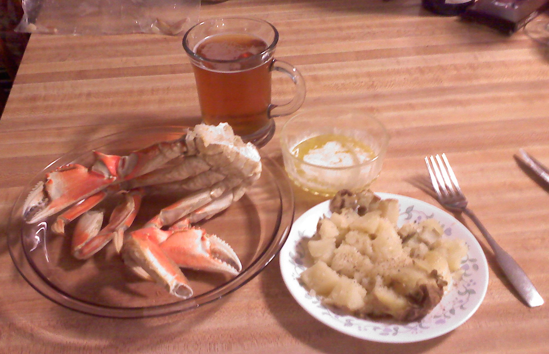 The Kitchen, Milford, NH :: Dungeness Crab with hot melted butter, baked potato and butter, a great salad with feta cheese and kalamata olives, and a GF beer to wash it all down.  Thanks to MN for another great taste of Dungeness Crab from the Pacific Northwest.
