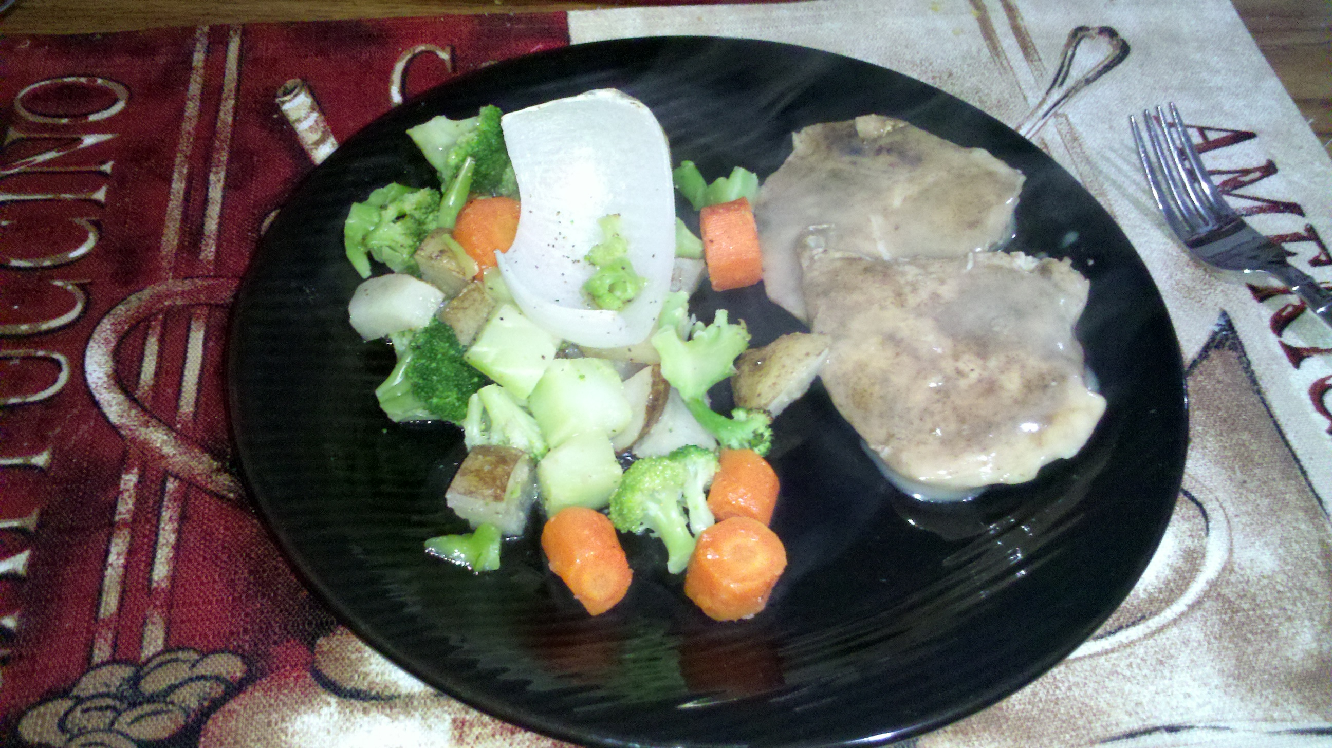 new britain ct :: potatoes, broccoli, carrots, and onions with chicken and gravy :)