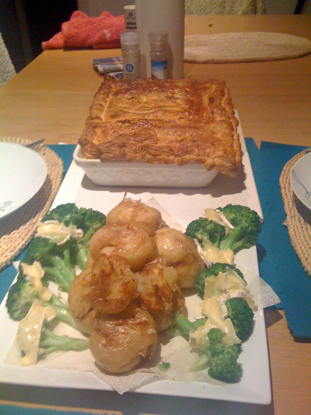 Brisbane Qld Australia  :: Chicken and Leek pie with Smashed Potatoes and Steamed Broccoli with King Island Brie