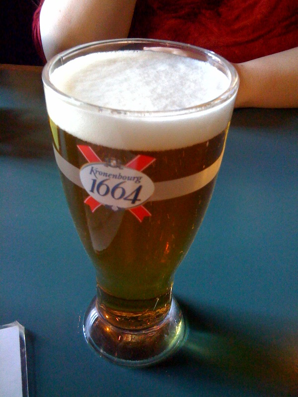 "Penguin Pizza (Mission Hill Boston) :: This is the Kronenbourg 1664 beer i had along with ""The Classic"""