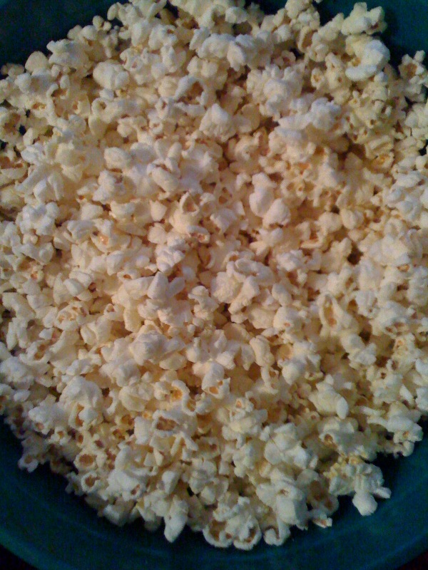 .Cambridge, MA :: Late night popping corn eating... about to watch some of The Office!!!!  I like popping corn!  I use a hair-dryer to pop my corn!!!!