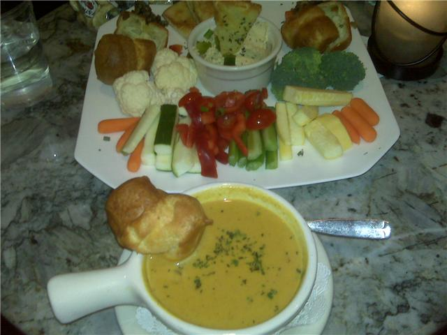 Popover's in Portsmouth, NH :: Hummus plate with pumpkin curry soup on the side