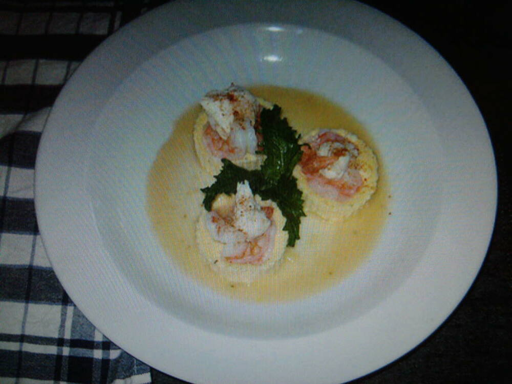 eastern ct :: shrimp on a boursin polenta cake with a lemon burre blanc