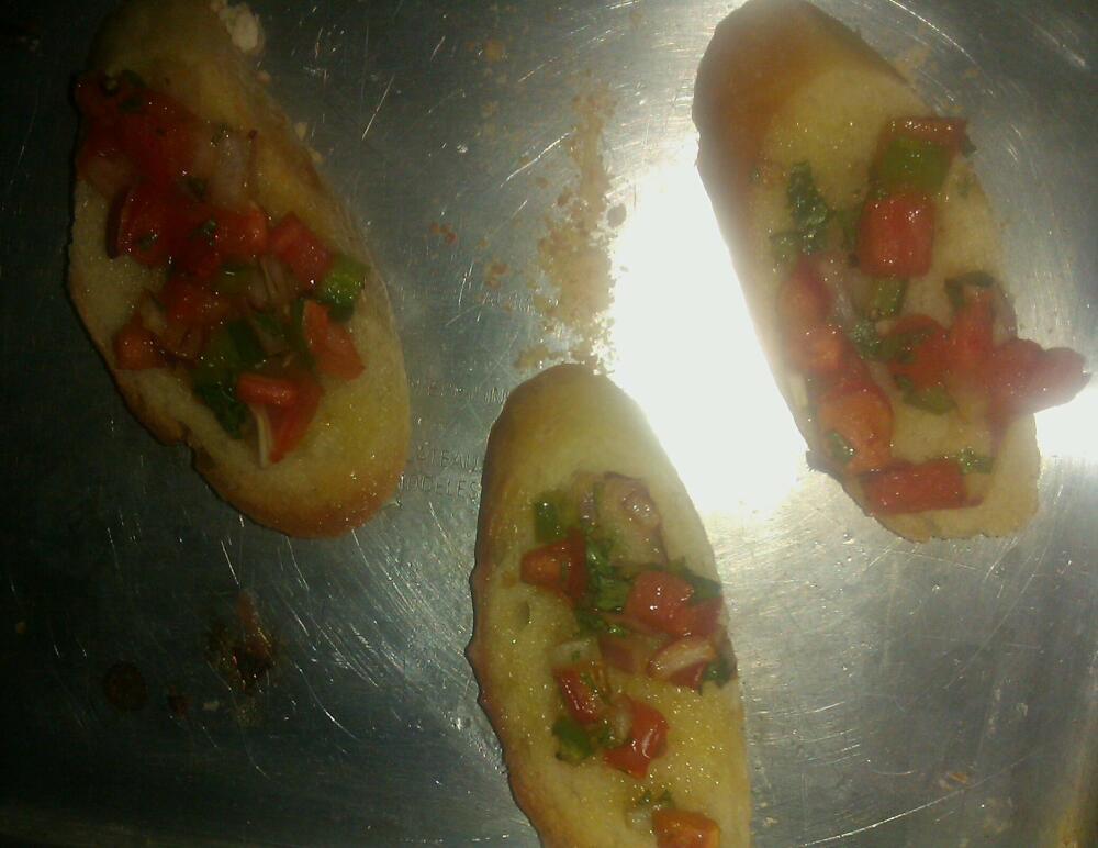 Bradenton :: Homemade baguette bruschetta