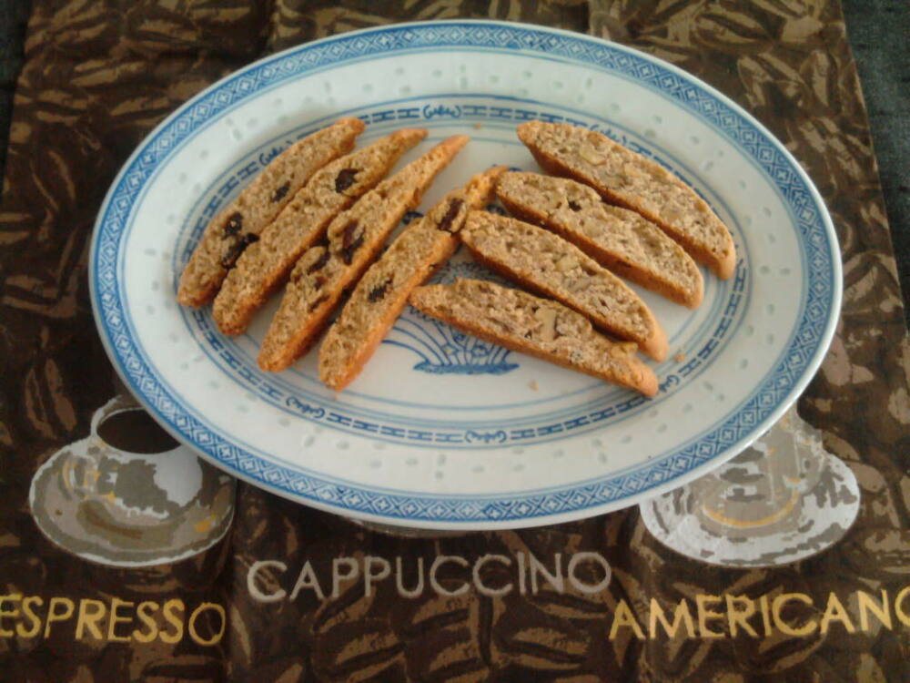 eastern ct :: dried cherry and vanilla biscotti on left and toasted walnut and cinnamon on right for a thanksiving treat