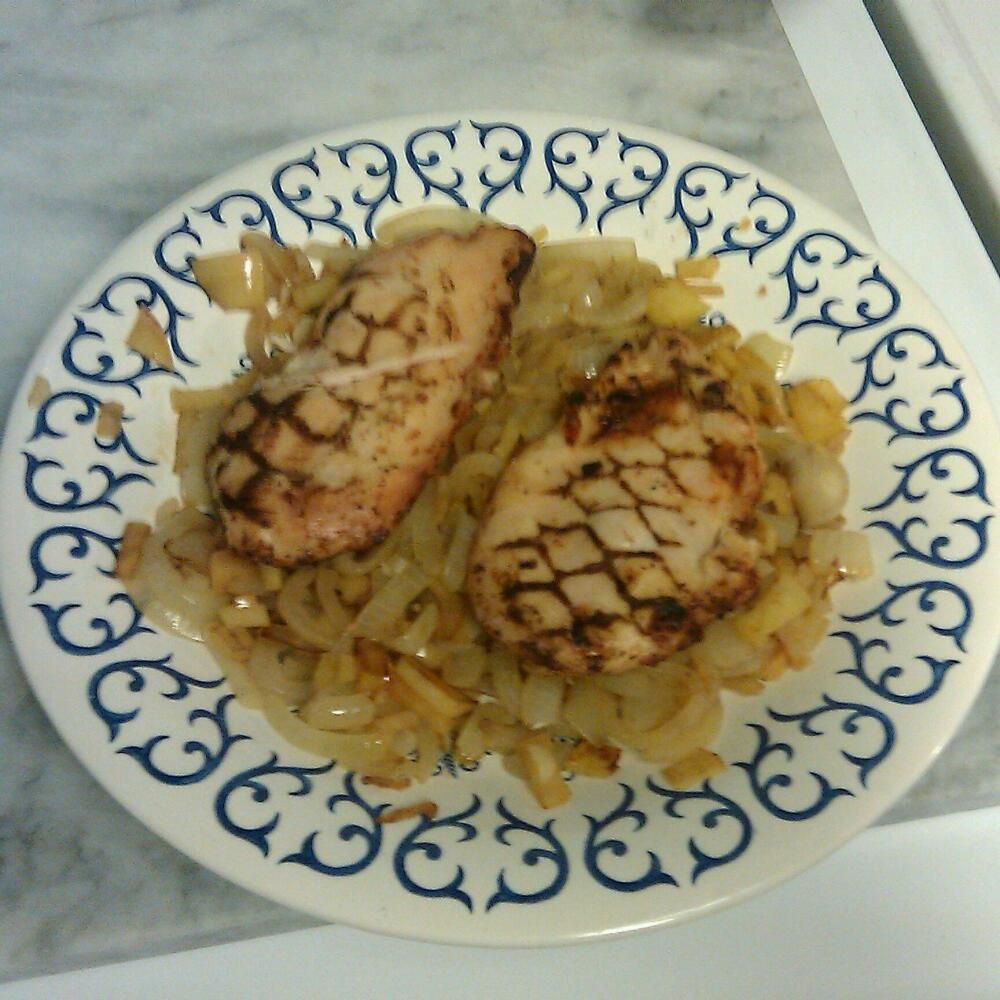Baltimore md :: grilled chicken with sauteed onions Apple & garlic.