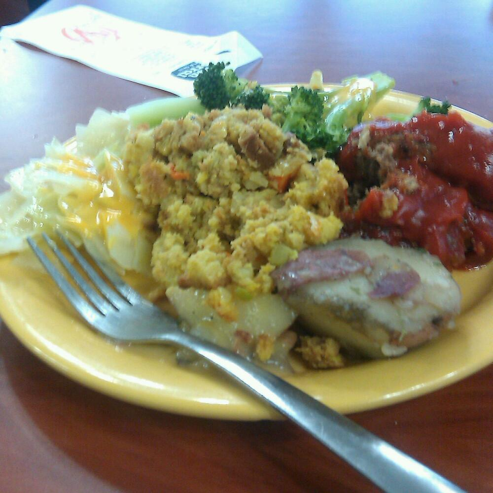 golden corral - Baltimore md :: stuffing, meatloaf, broccoli w/ cheese, cabbage & potatoes