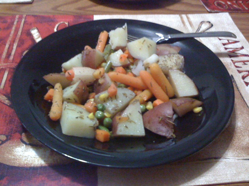Ct :: Potatoes, carrots, onions, green beans, peas and corn :)