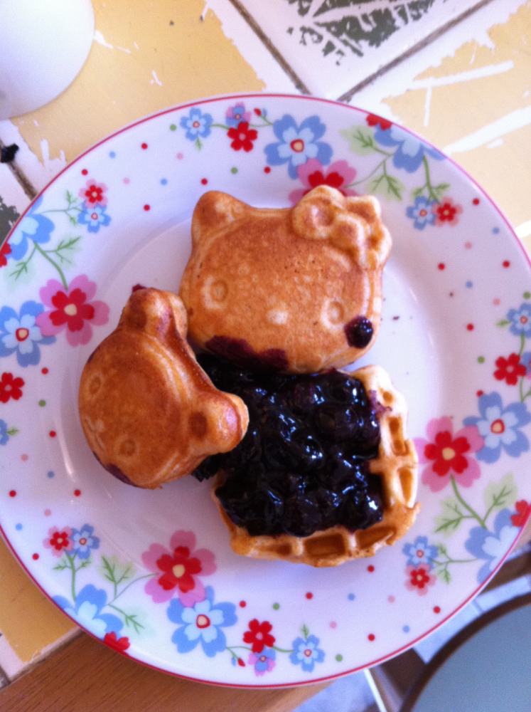 Boston :: Hello Kitty waffles!!