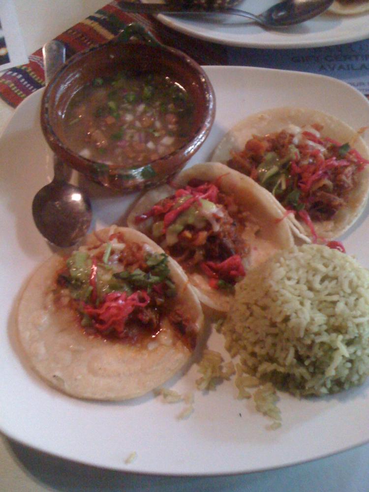 Maya cafe :: Briskest taco's