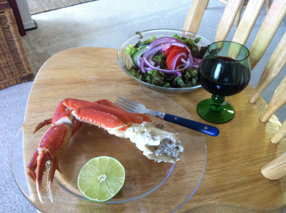 Austin, TX :: Snow crab w/ lime and garden salad. Lindemans bin.45 CabSauv