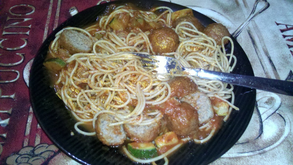 new britain ct :: whole wheat spaghetti, meatballs, and sauce :)