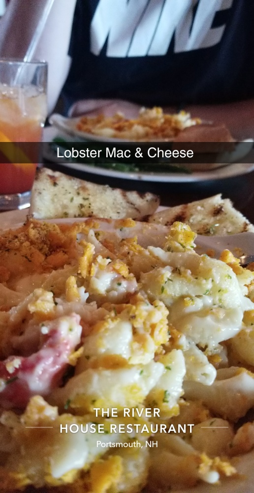 In NH on vacation with my love 😍 :: Lobster Mac